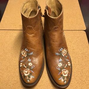NEW! Shyanne Country Womens Boots!